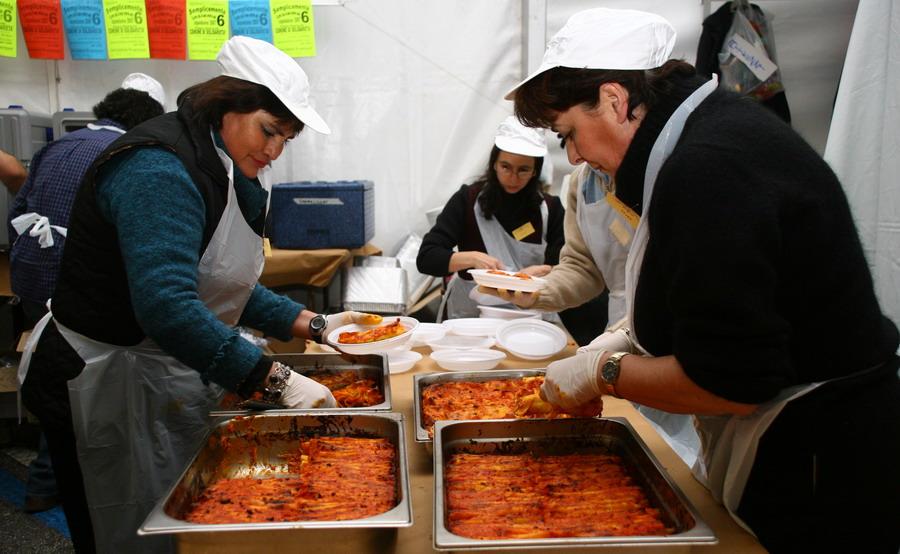 italiani, caritas, poveri, disoccupati, indebitati, nuovi poveri