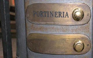 offerte-lavoro-portiere-palazzo-portineria